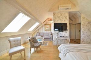 La Bastidie Suite La Belle Inconnue-001